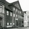<!--:da-->Perlegade 58, i 1864 husede det Reimuths Hotel.<!--:--> <!--:de-->Perlegade 58, 1864 lag hier Reimuths Hotel.<!--:--> <!--:en-->Perlegade 58, in 1864 the site of Reimuth's Hotel.<!--:-->